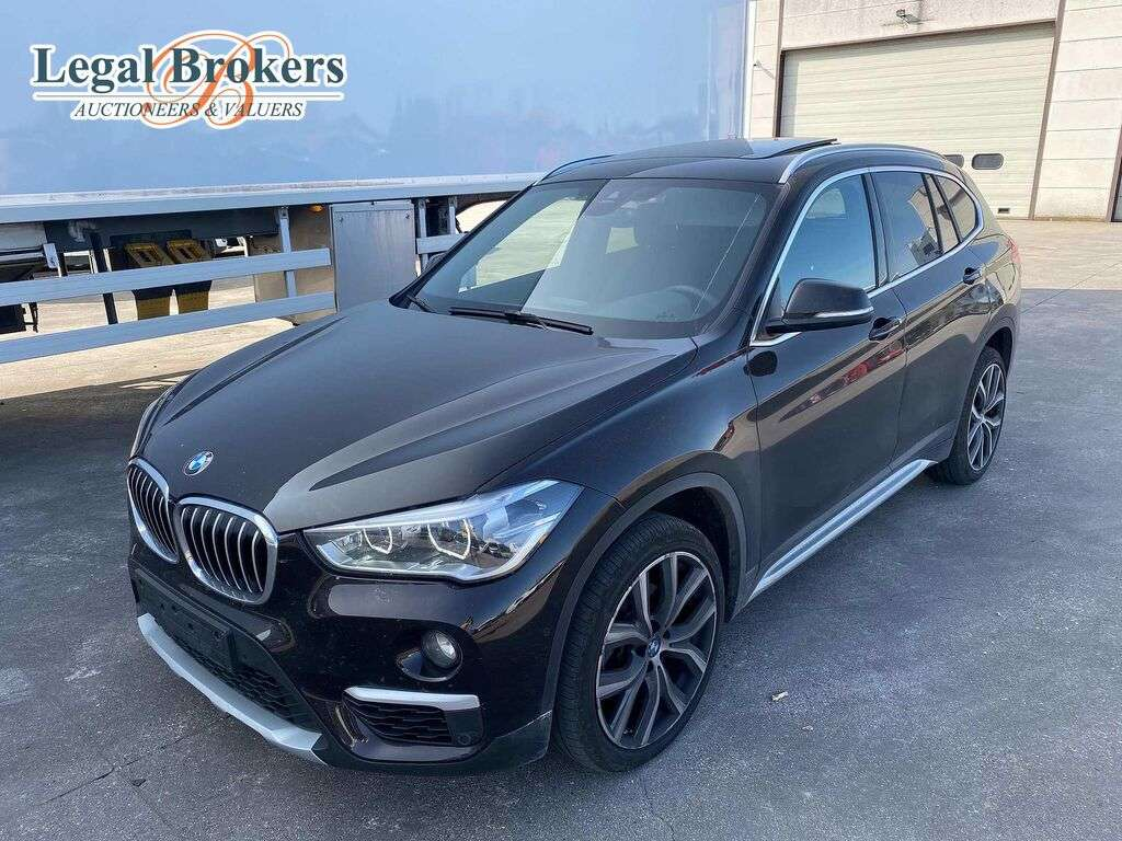 Vendesi crossover BMW X1 1.5i - Stationwagen all asta